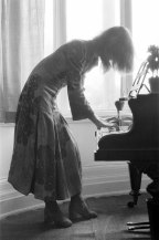 71-04-20-haddon-hall-dennis-stone-piano